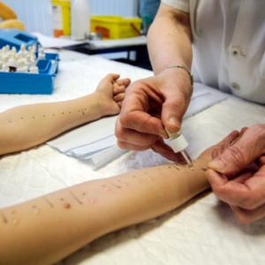 Problem z e-receptami na szczepionki odczulające. Wytyczne dla aptek…