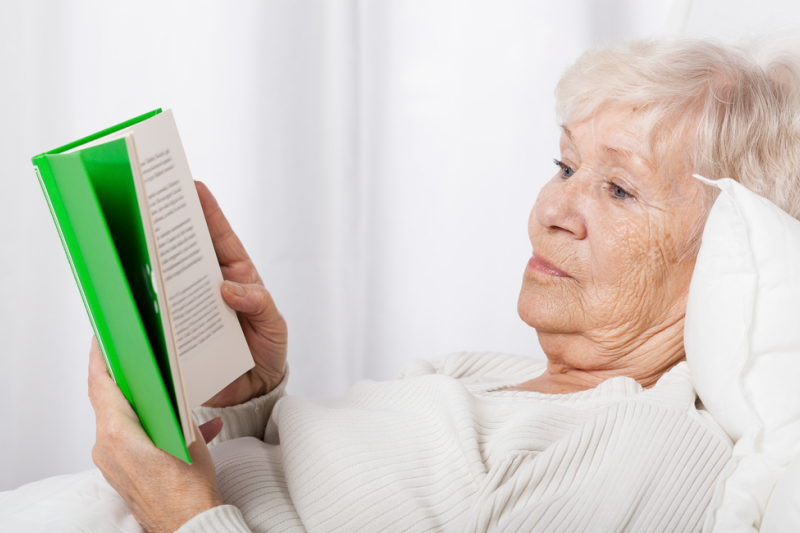 Babcia wkrótce zorientowała się jedna, że Jerzy Zięba blefuje... (fot. Shutterstock)