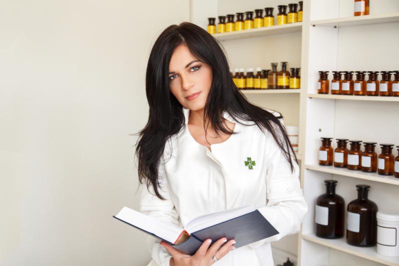Wydawanie leków Rx na życzenia pacjenta w celu zatrzymania go u siebie nie tylko zaciera granice prawidłowego funkcjonowania aptek (fot. Shutterstock)