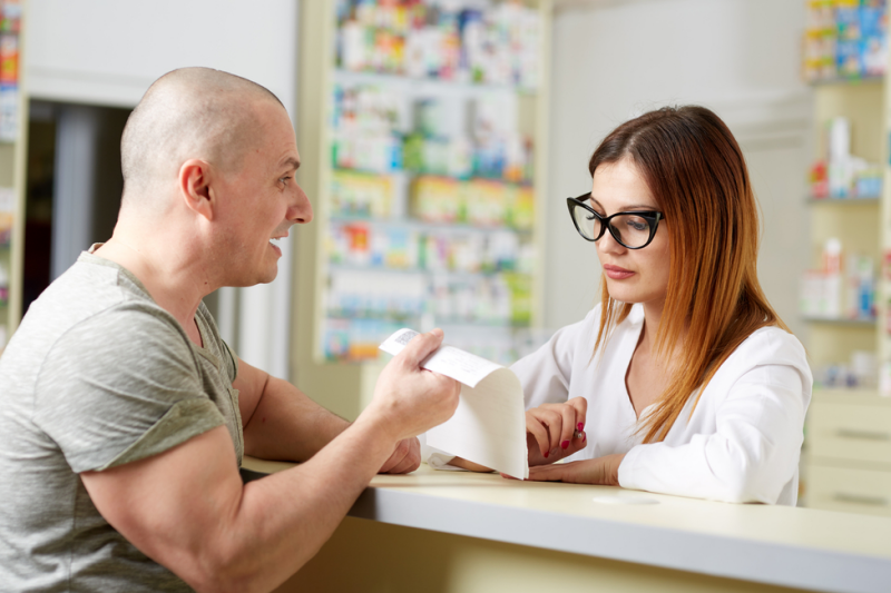 Apteka musi realizować recepty zgodnie z przepisami, inaczej naraża się na cofnięcie refundacji i wysokie kary finansowe (fot. Shutterstock)