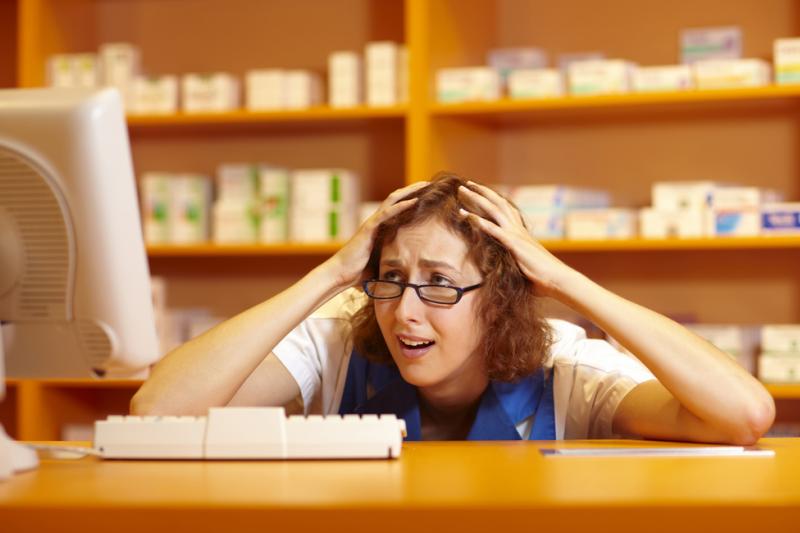 Kiedy już się uda sczytać e-receptę, pojawiają się kolejne trudności. Całość systemu jest bardzo nieczytelna, a klawisze funkcyjne źle opisane. (fot. Shutterstock)