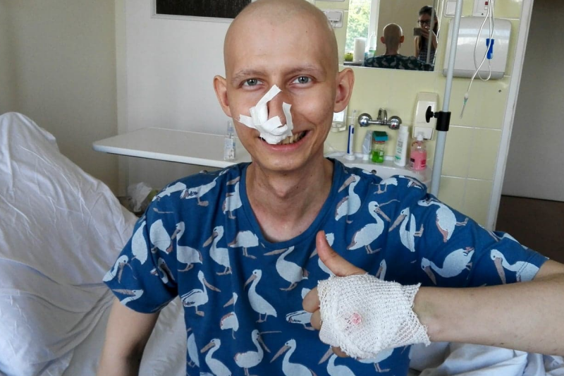 Zbiórka pieniędzy na jego leczenie ruszyła kilkanaście godzin temu. Piotrowi można pomagać na stronie fundacji Sie Pomaga. (fot. Facebook)