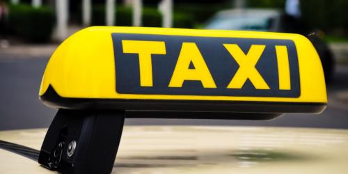 Taksówkarz kupi leki w aptece?