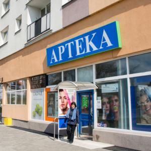 Sąd uznał, że kara dla aptekarki za reklamę apteki była za wysoka…