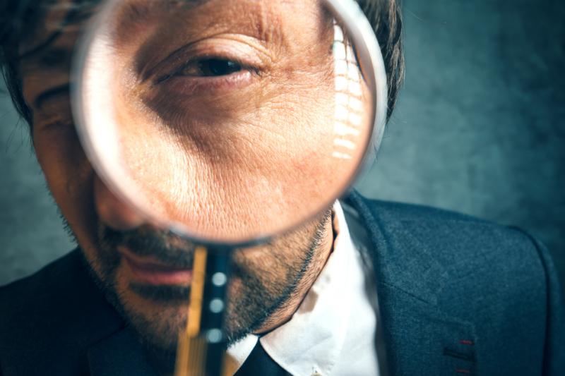 Kontrolerzy stwierdzili również przypadki braku poinformowania OW NFZ o zmianach w ewidencji osób zatrudnionych w aptece (fot. Shutterstock)