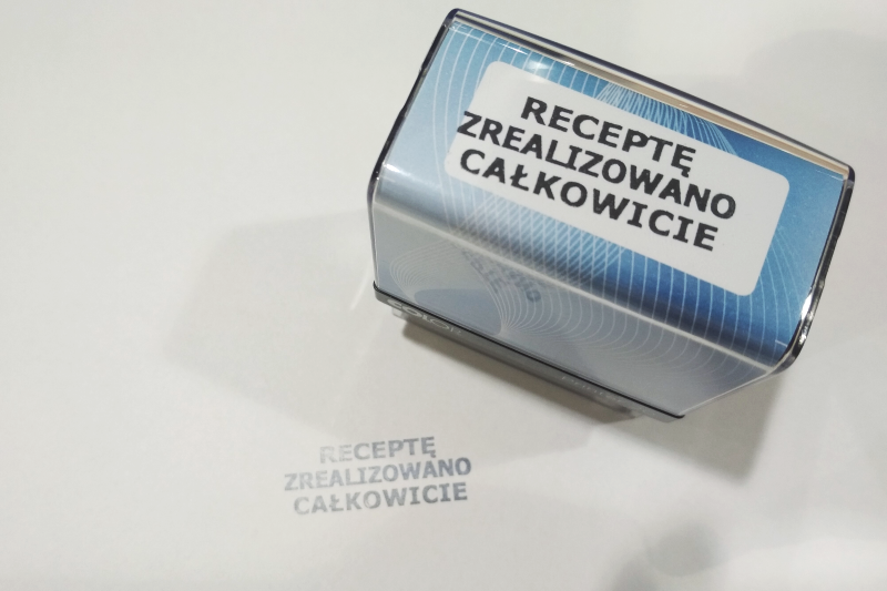 Czy w świetle obowiązującego rozporządzenia apteka może zrealizować receptę, której wpisano tylko imię, nazwisko i PESEL pacjenta? (fot. Kamil Guzy)