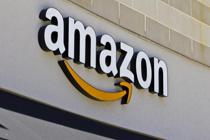 Bloomberg News w ubiegłym miesiącu poinformowało, że Amazon.com rozważa otwarcie aż 3,000 sklepów Amazon Go (fot. Shutterstock)