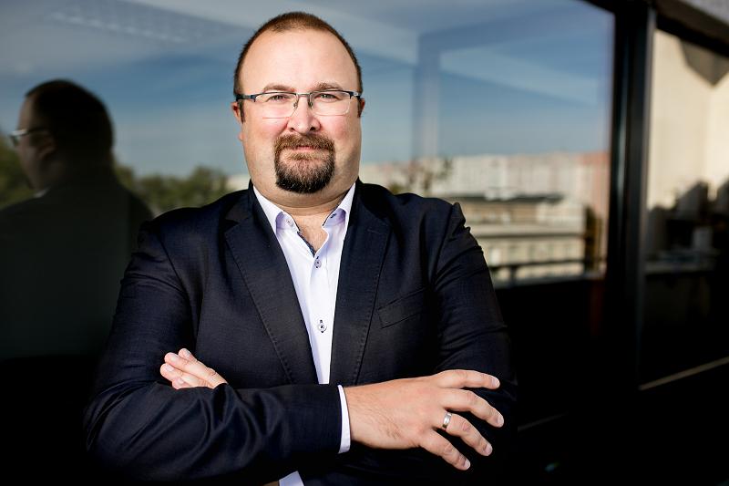 Michał Byliniak jest wiceprezesem NRA i prezesem Okręgowej Rady Aptekarskiej w Warszawie (fot. MGR.FARM)