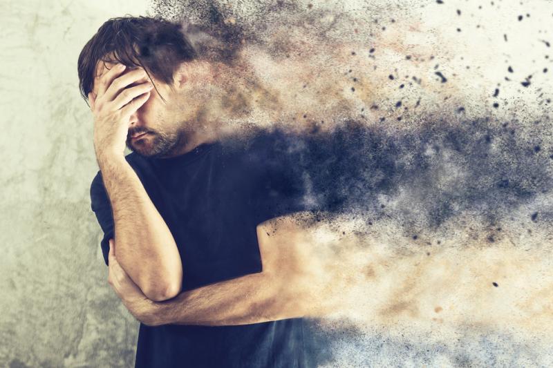 Połowa wszystkich chorób psychicznych rozpoczyna się w wieku 14 lat, ale większość przypadków pozostaje niewykryta i nieleczona (fot. Shutterstock)