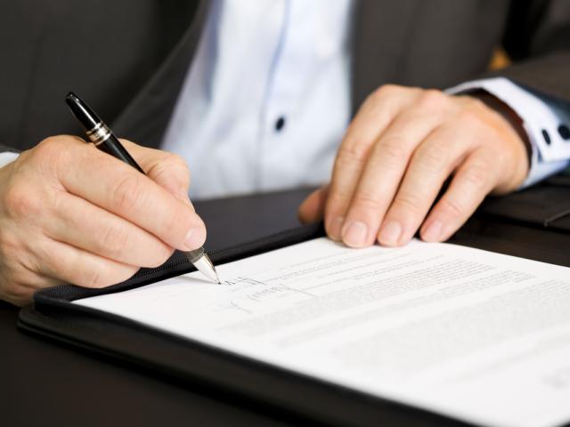 Rozporządzenie doprecyzowuje jakie czynności powinna wykonać osoba realizująca zapotrzebowanie (fot. Shutterstock)