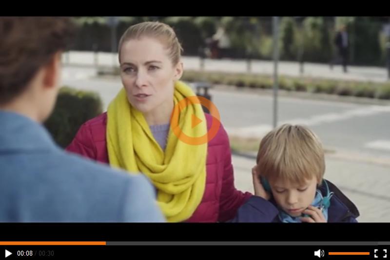 Do Rady Reklamy wpłynęła w 2015 roku skarga na tę reklamę, której skarżący zarzucał, że straszy i wykorzystuje naiwność i niewiedzę ludzi (fot. screen reklamy)