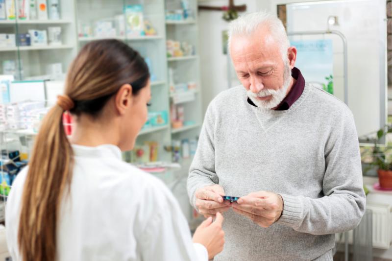 Zdaniem farmaceutów sytuację mogłoby poprawić wprowadzenie opieki farmaceutycznej (fot. Shutterstock)