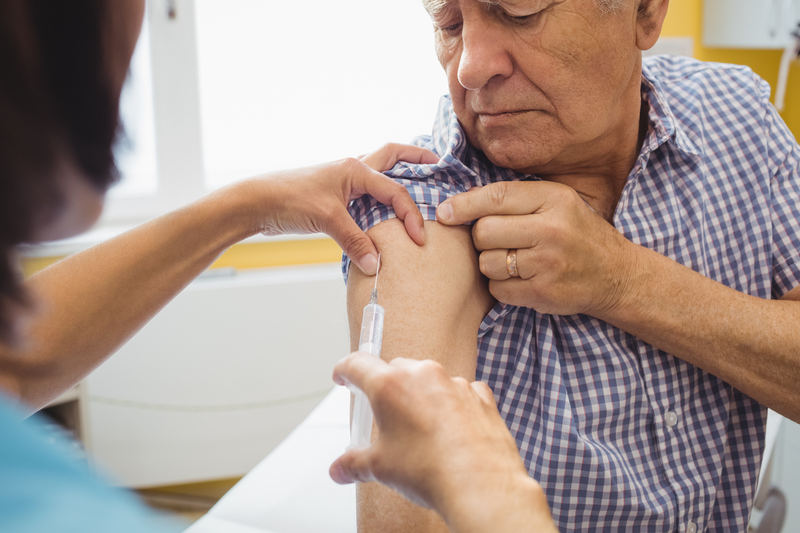 W sezonie grypowym 2018/2019 brytyjskie apteki ogólnodostępne wykonały ponad 1,27 mln szczepień przeciwko grypie (fot. Shutterstock)