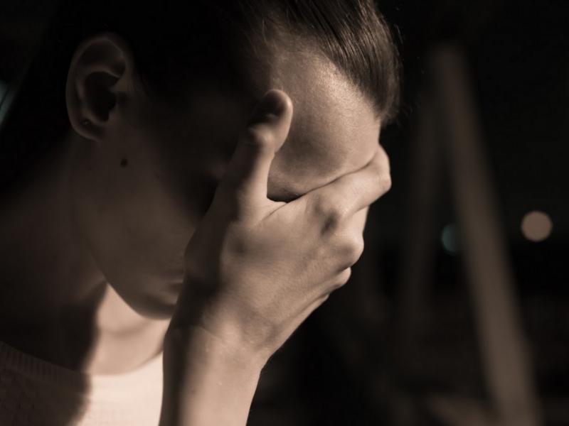 Migrena jest trzecią najczęstszą chorobą na świecie i najczęstszą przyczyną niepełnosprawności wśród zaburzeń neurologicznych. Galcanezumab przynosi nadzieję dla tysięcy chorych (fot. Shutterstock)