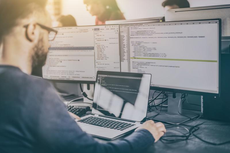 W dobie e-recepty i serializacji każdy przestój apteki spowodowany minimalną awarią serwera aptecznego powoduje brak możliwości normalnego jej funkcjonowania (fot. Shutterstock)