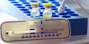 Elektroniczny system pomiaru temperatury przechowywania szczepionek w każdej placówce