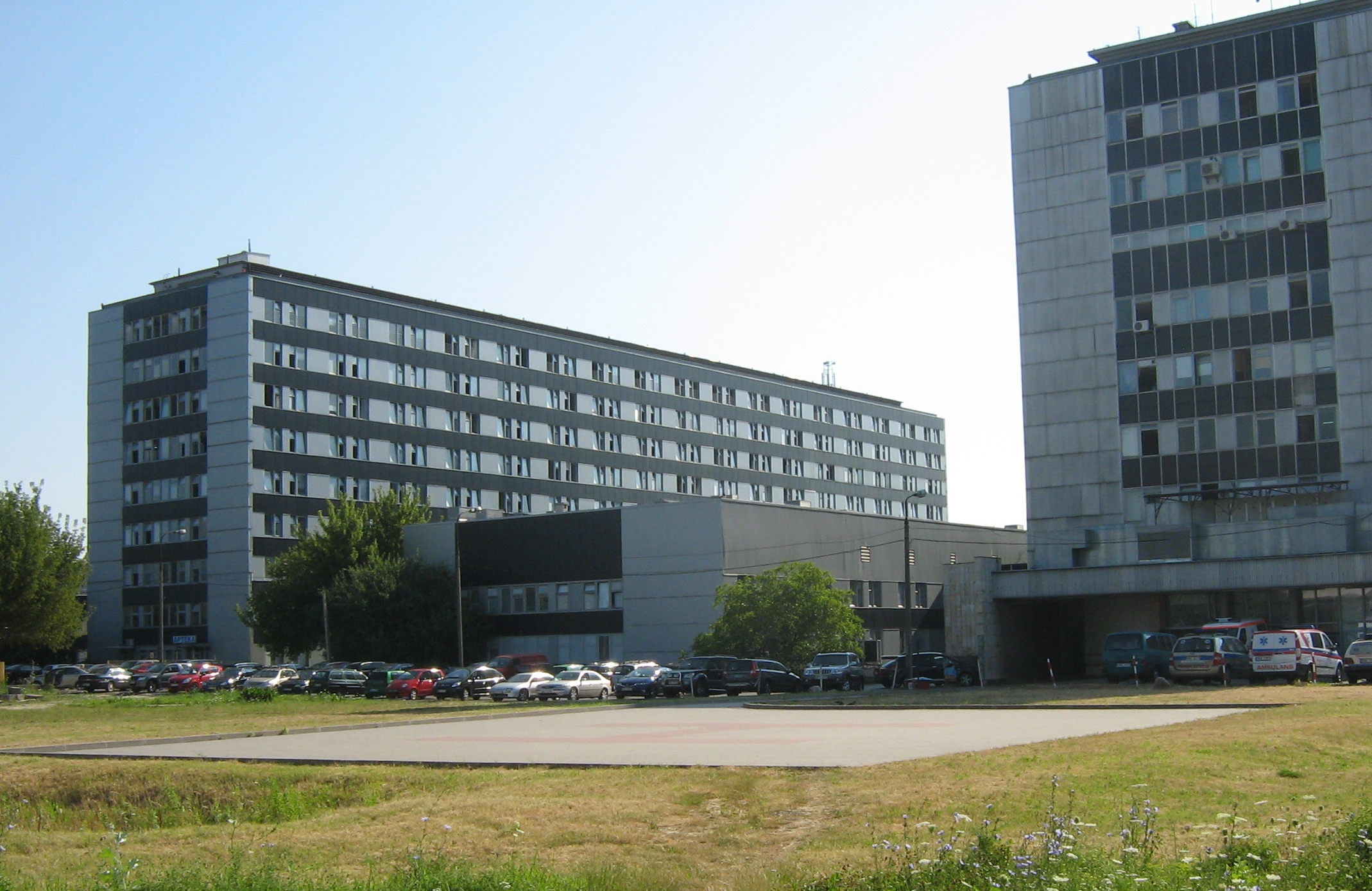 Samodzielny Publiczny Centralny Szpital Kliniczny (szpital WUM na Banacha 1)(fot. Wikimedia Commons)