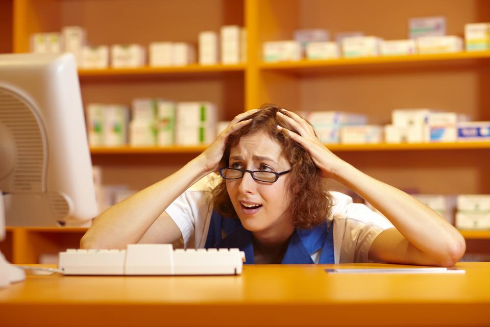 W połowie maja CSIOZ wydał komunikat, w którym przestrzegał przed realizowaniem, refundowanych recept wystawianych przez farmaceutów (fot. Shutterstock)