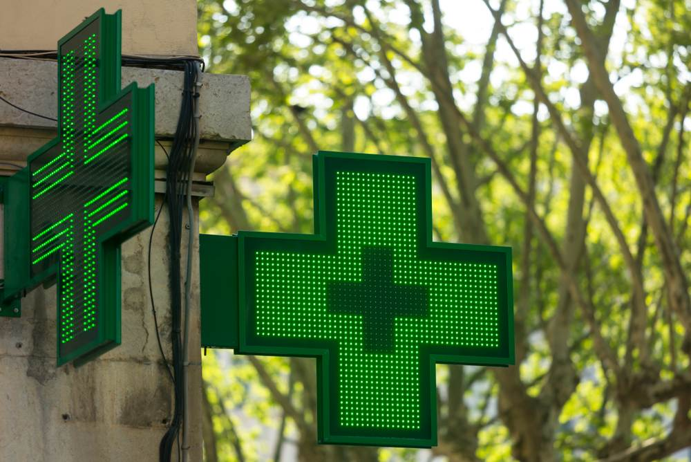 """Czy inspekcja farmaceutyczna prawidłowo stosuje zapisy """"apteki dla aptekarza"""" także wobec aptek powstałych przed wejściem w życie tej nowelizacji? (fot. Shutterstock)"""