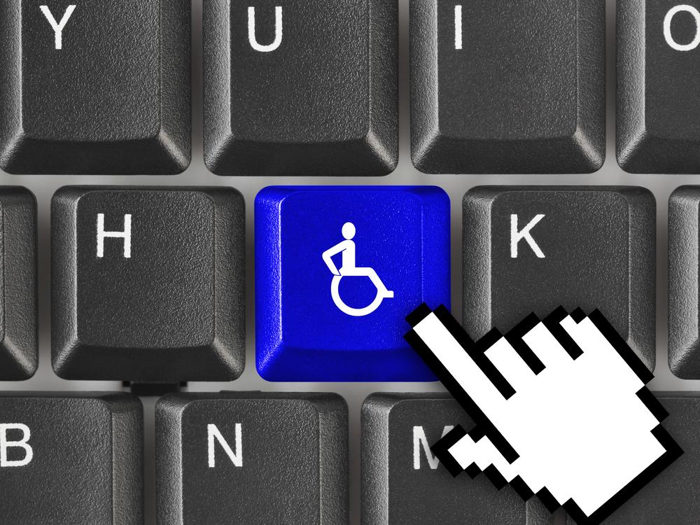 Prawo do zdalnego zrealizowania e-recepty będą mieć tylko osoby niepełnosprawne. Ale jak zweryfikować ich uprawnienie do tego ułatwienia? (fot. Shutterstock)