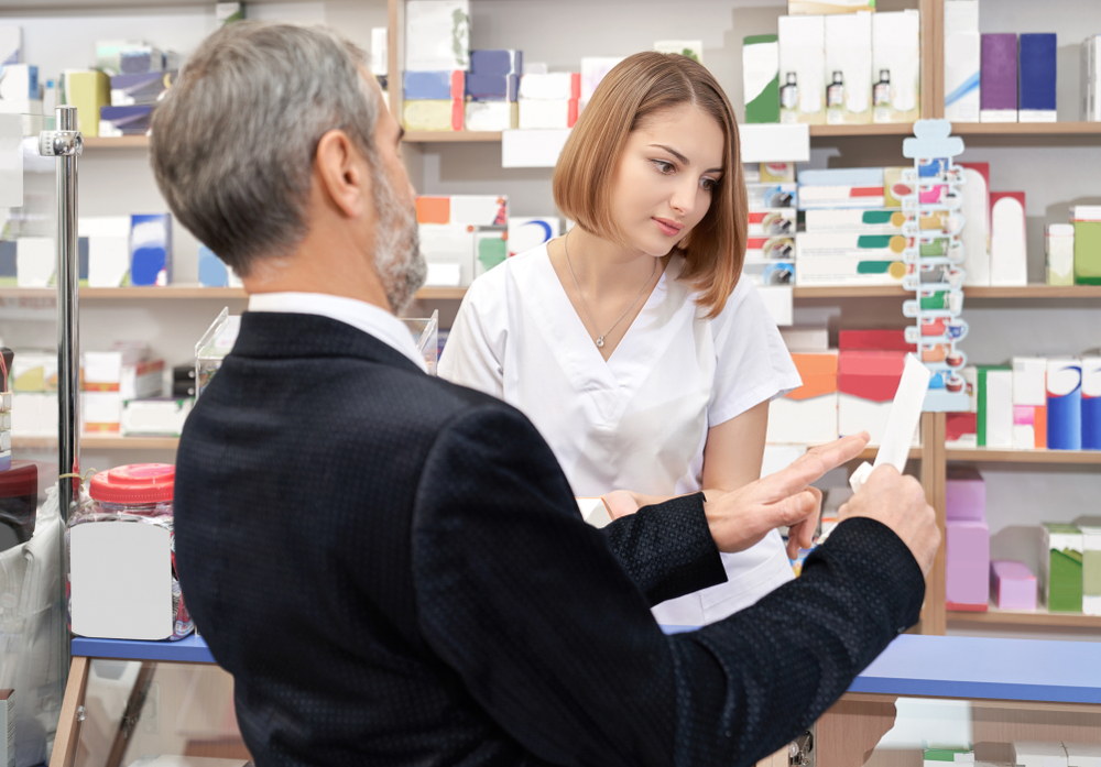 Do zakresu obowiązków przedstawiciela hurtowni farmaceutycznej należy m.in. • realizacja promocji w poszczególnych aptekach (fot. Shutterstock)