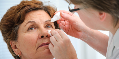 Zamiast wyleczyć zaćmę, straciła wzrok. Wina kropli do oczu i pielęgniarki?