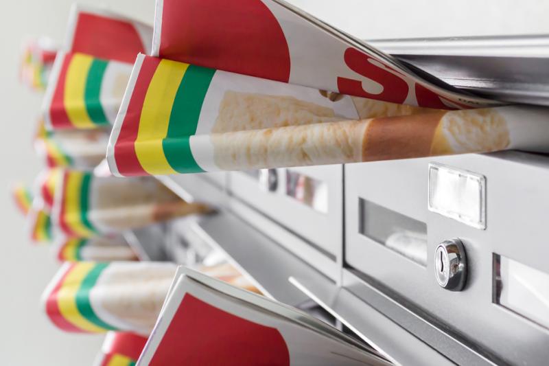 W ulotce reklamowej drogerii, kolportowanej do skrzynek pocztowych, znalazły się cztery wyroby medyczne. (fot. Shutterstock)