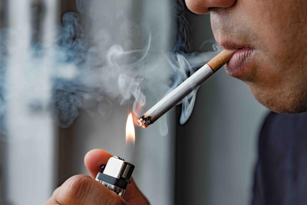 Interakcje składników dymu tytoniowego oraz nikotyny występować mogą zarówno w fazie farmakokinetycznej, jak i farmakodynamicznej (fot. Shutterstock)
