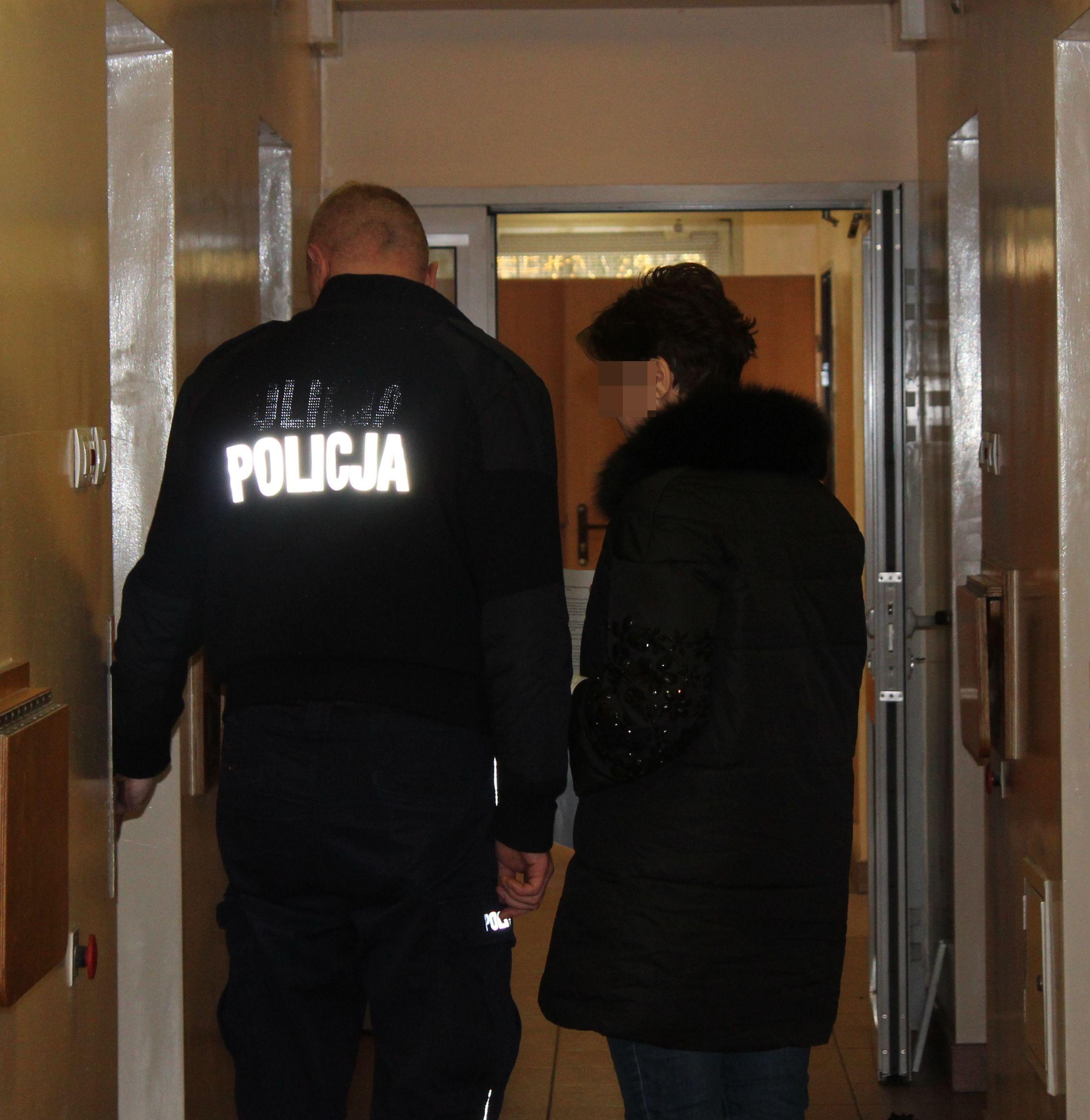 Bożena K. jest znana z działalności charytatywnej w Pabianicach (fot. KPP w Pabianicach)