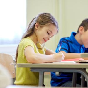 Leki w szkołach – nauczyciele będą je podawać uczniom