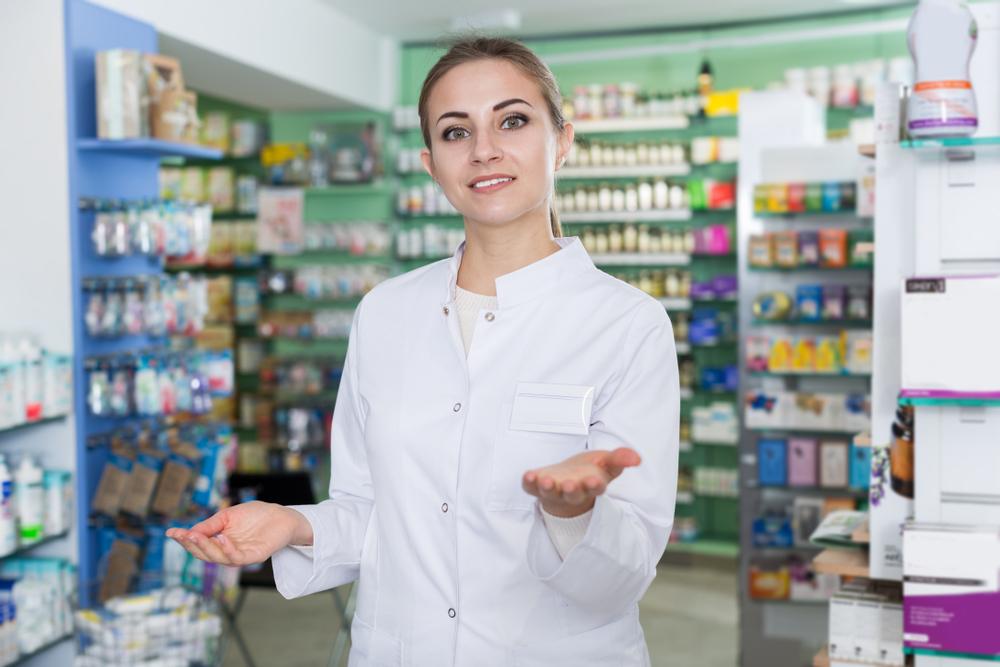 Farmaceuci zostali włączeni w wielu krajach w system pomocy ofiarom przemocy domowej (fot. Shutterstock)