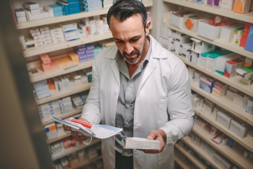 Farmaceuci, jako grupa zawodowa zostali objęci szybką ścieżką diagnostyczną dotyczącą testów na obecność koronawirusa (fot. Shutterstock)