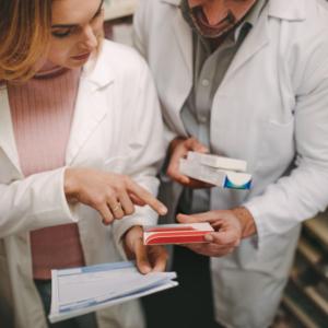 Raport OECD: Farmaceutów najszybciej przybywa w Japonii. A co z Polską?