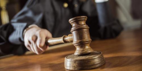 Miała oceniać wykroczenia farmaceutów, a sama stanęła przed sądem…