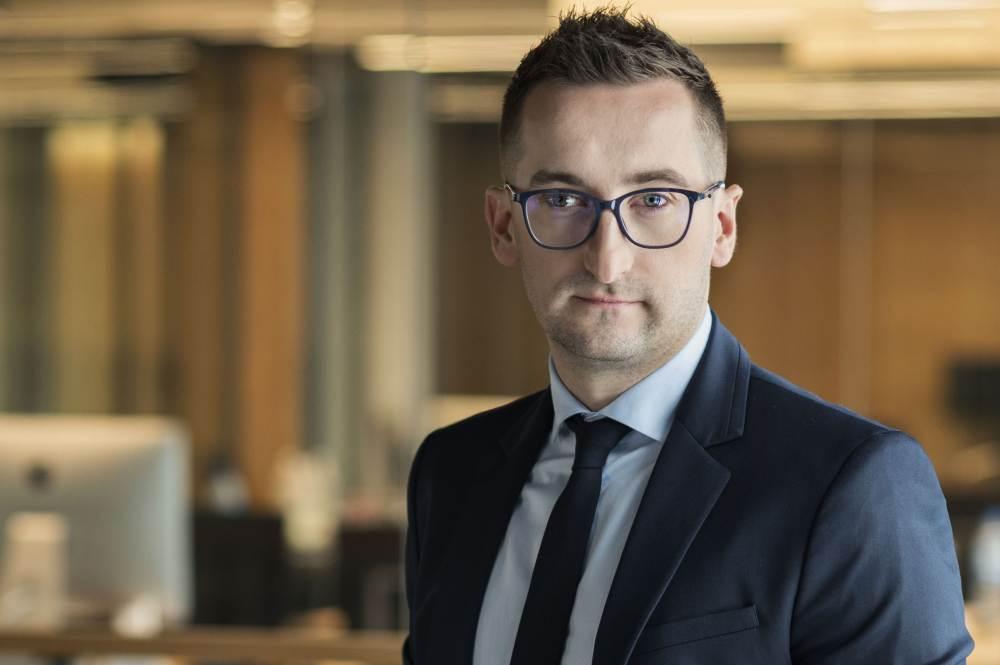 """Tomasz Furman, prezes Fundacji Aflofarm, która wspólnie z Naczelną Izbą Aptekarską stworzyła kampanię wizerunkową """"Po pierwsze farmaceuta"""" (fot. Aflofarm)"""