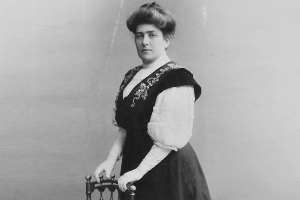 Leśniewska jak pierwsza kobieta na świecie otworzyła żeńską aptekę (fot. Muzeum Farmacji w Warszawie)