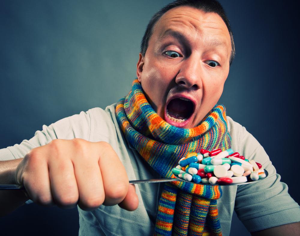 Początkowa przygoda z zażywaniem leków ogranicza się do ich małych ilości (fot. Shutterstock)