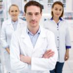 """Jak pacjenci postrzegają farmaceutów? Raport kampanii """"Po pierwsze farmaceuta"""""""