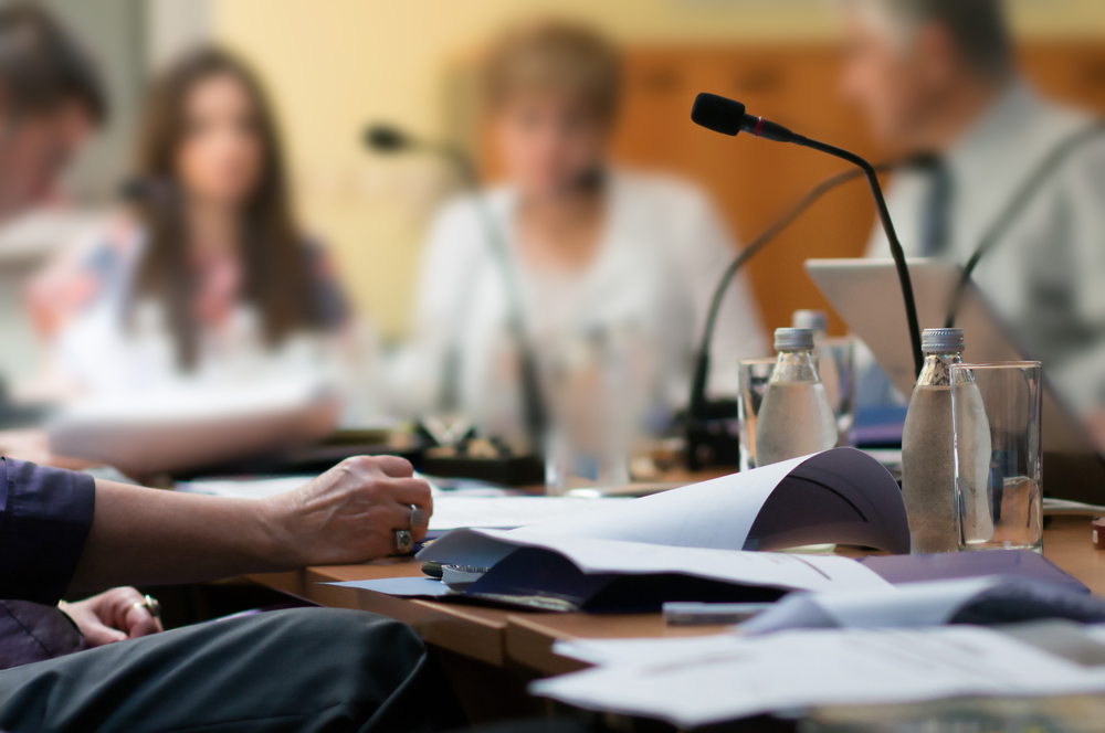 """Przedmiotem spotkania były zagadnienia związane z prawidłowością ukierunkowania postępowań w kontekście cech charakterystycznych dla procederu """"odwróconego łańcucha dystrybucji leków"""" (fot. Shutterstock)"""