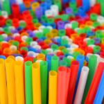 W Anglii plastikowe słomki będą dostępne tylko w... aptekach?