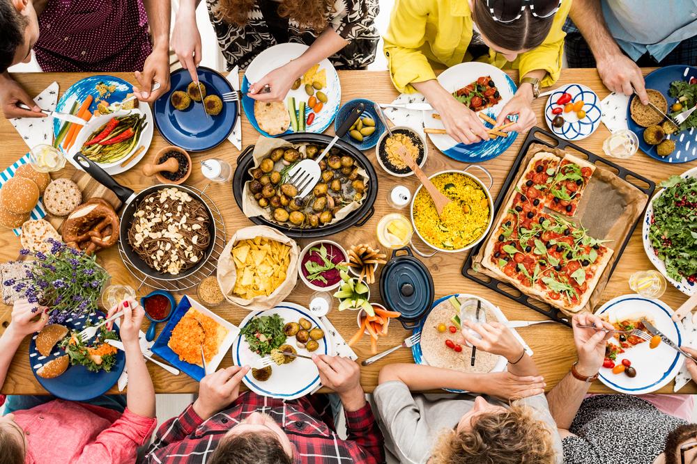Składnikiem artykułów spożywczych, który bardzo często inicjuje bóle migrenowe jest m.in. glutaminian sodu (fot. Shutterstock)