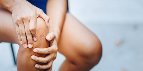 Pierwsze objawy bólu stawów – jak skutecznie pomóc pacjentowi, gdy zaczyna walkę z dolegliwościami?