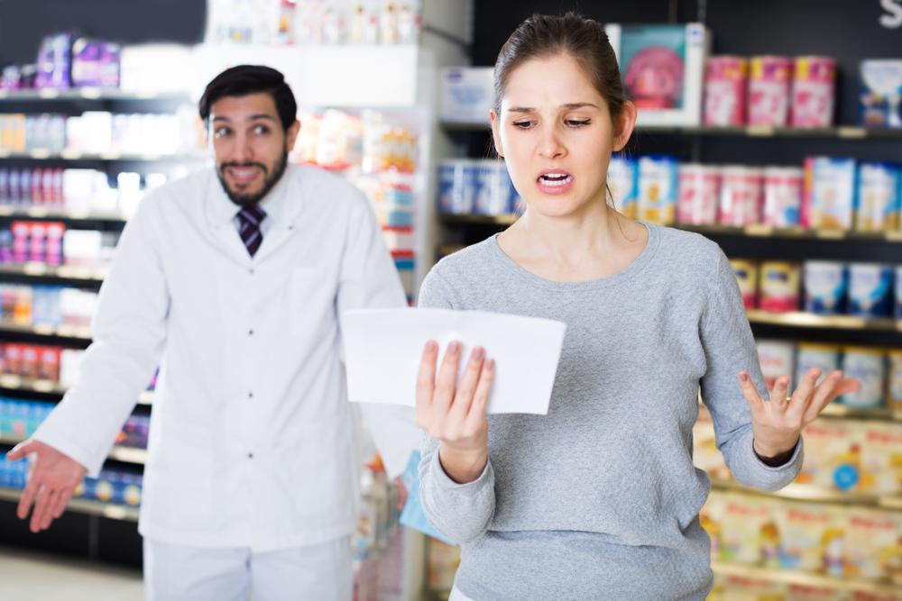 Brak możliwości wykupienia tego samego leku, z jednej e-recepty w różnych aptekach stanowi coraz większy problem dla pacjentów (fot. Shutterstock)