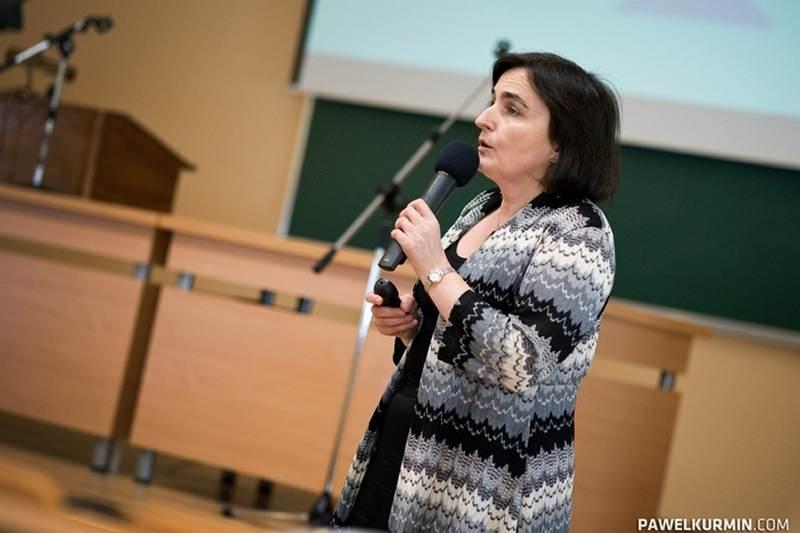 """Profesor Małgorzata Sznitowska jest m.in. autorką podręczników """"Biofarmacja"""" i """"Farmacja Stosowana"""" (fot. Paweł Kurmin)"""