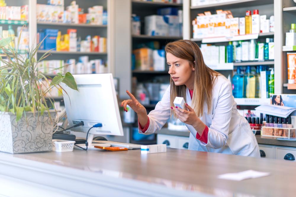 Centrum Systemów Informacyjnych Ochrony Zdrowia przygotowało instrukcję wystawiania i realizowania e-recepty, gdy nie ma dostępu do platformy P1 (fot. Shutterstock).