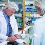 Farmaceuta wystawi pacjentowi receptę na leki refundowane