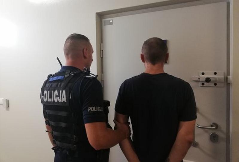 Za kradzież rozbójniczą grozi mężczyźnie kara do 10 lat pozbawienia wolności (fot. olawa.policja.gov.pl)