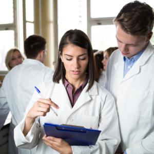 Ministerstwo Zdrowia w sprawie stażu techników farmaceutycznych