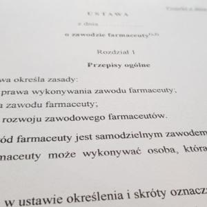 Rząd przyjął projekt ustawy o zawodzie farmaceuty. Czas na Sejm…