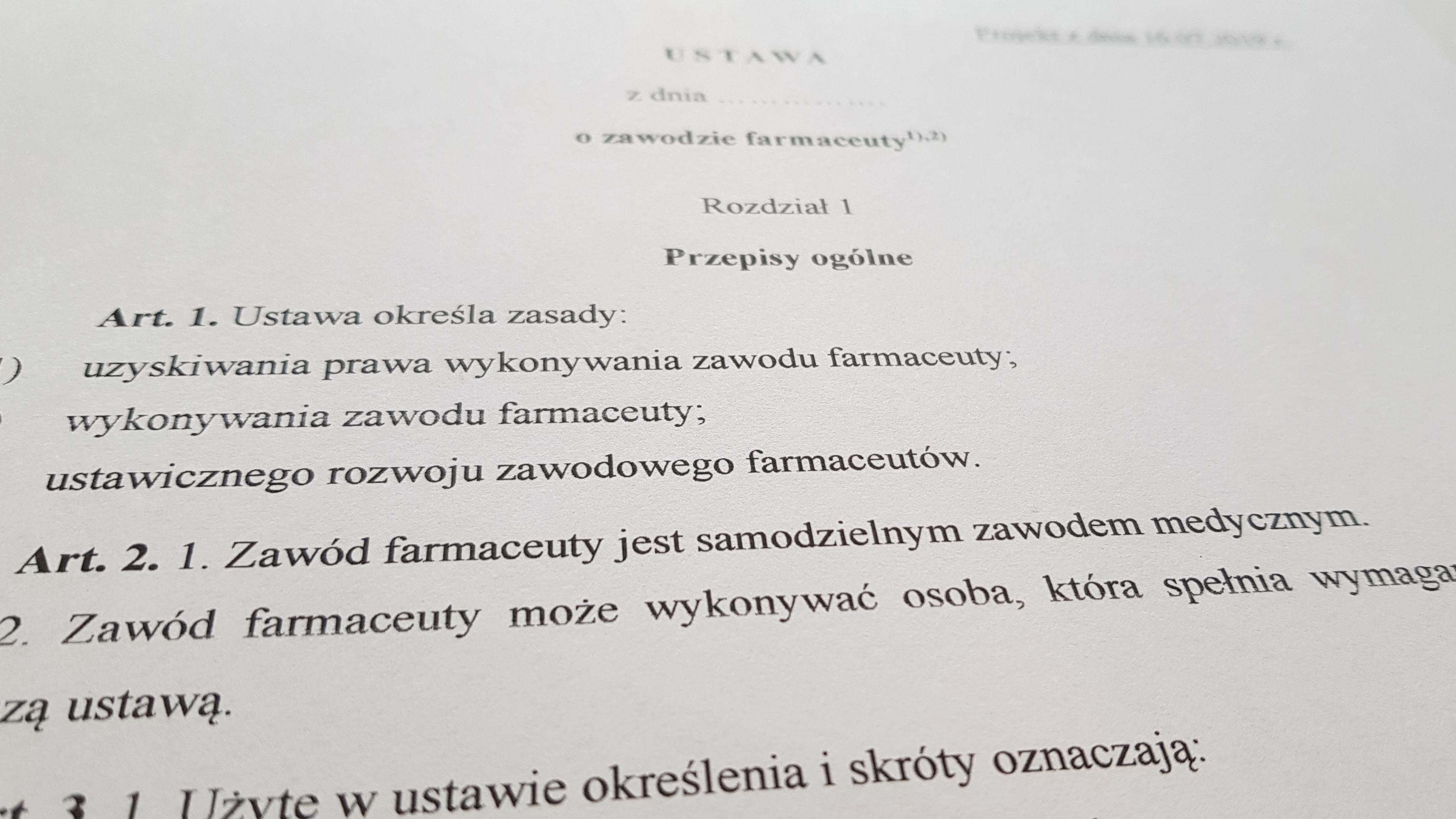 Do przeanalizowania pozostało jeszcze 9 artykułów projektu ustawy o zawodzie farmaceuty. Dotyczą one zmian w innych ustawach (fot. screen sejm.gov.pl)